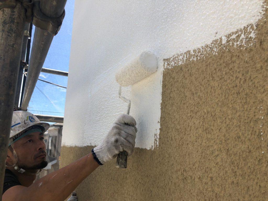 外壁 下塗り(マスチック工法・厚付け塗り)