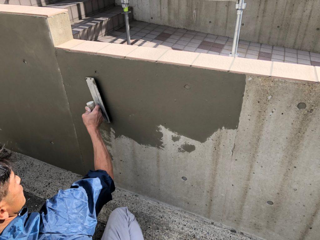 擁壁部 不陸調整の施工写真です。