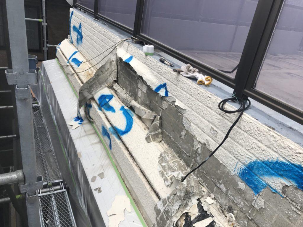 外壁補修工事の施工写真です。