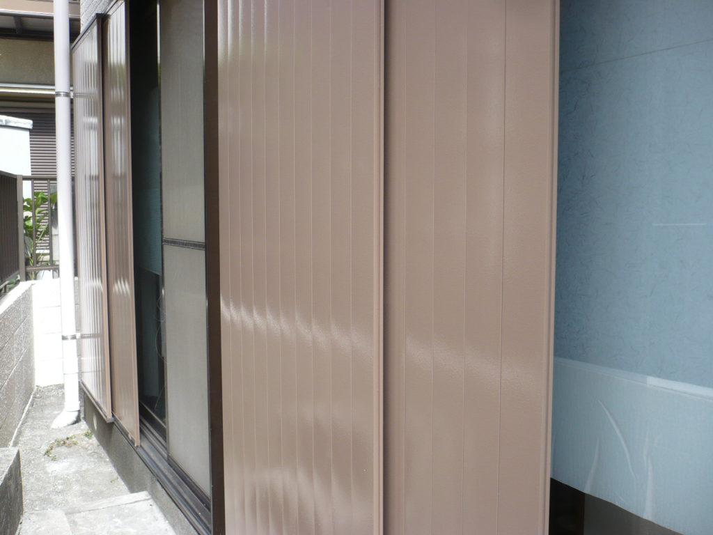 雨戸塗装工事の施工写真です。
