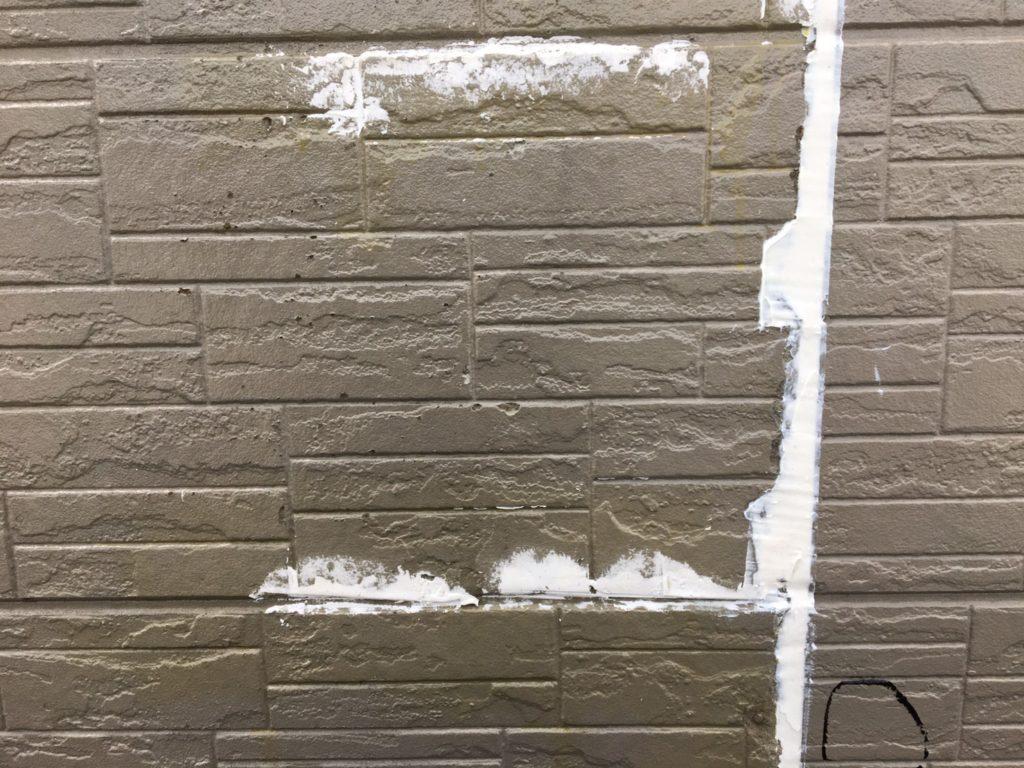 外壁 サイディング欠損部補修