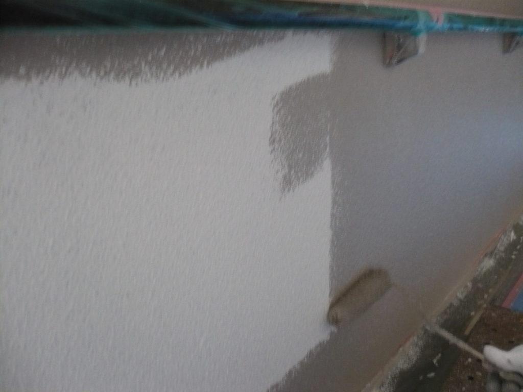 壁面 上塗り材塗装 1回目