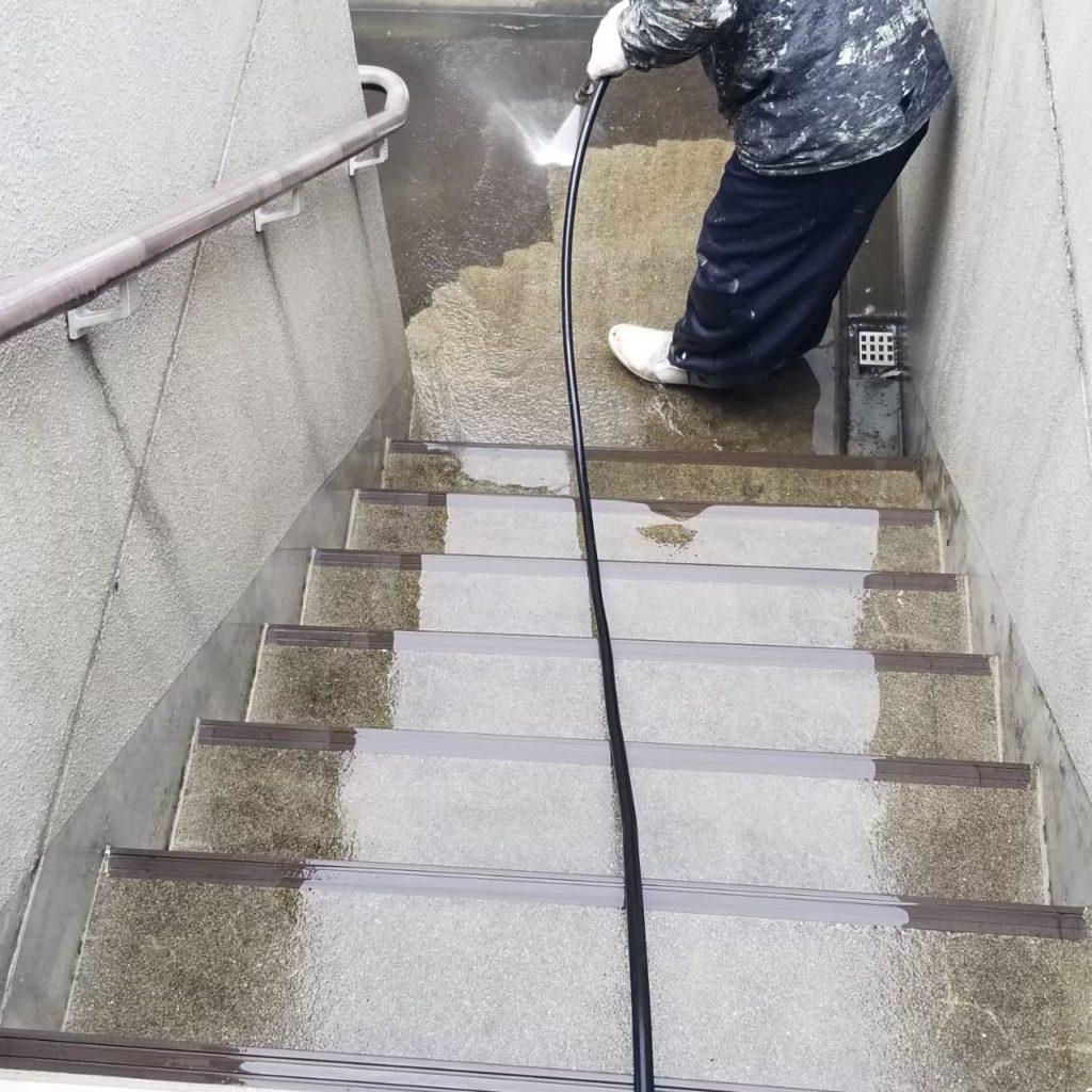 腰壁・土間面 高圧洗浄