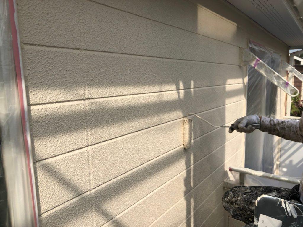 外壁 上塗り材塗装2回目