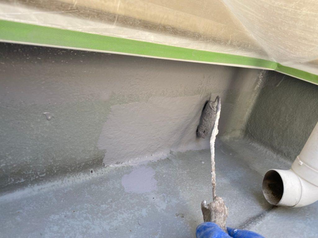 防水面立ち上がり部プライマー材塗布後トップコート塗布