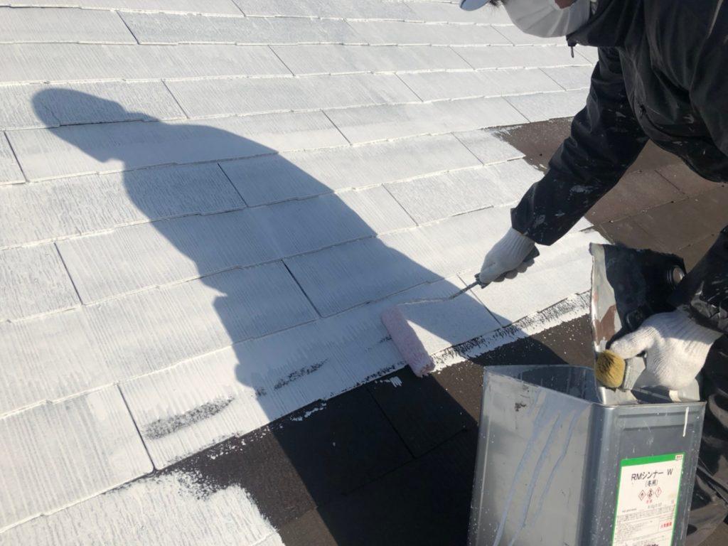 屋根部破損箇所交換後下塗り塗装