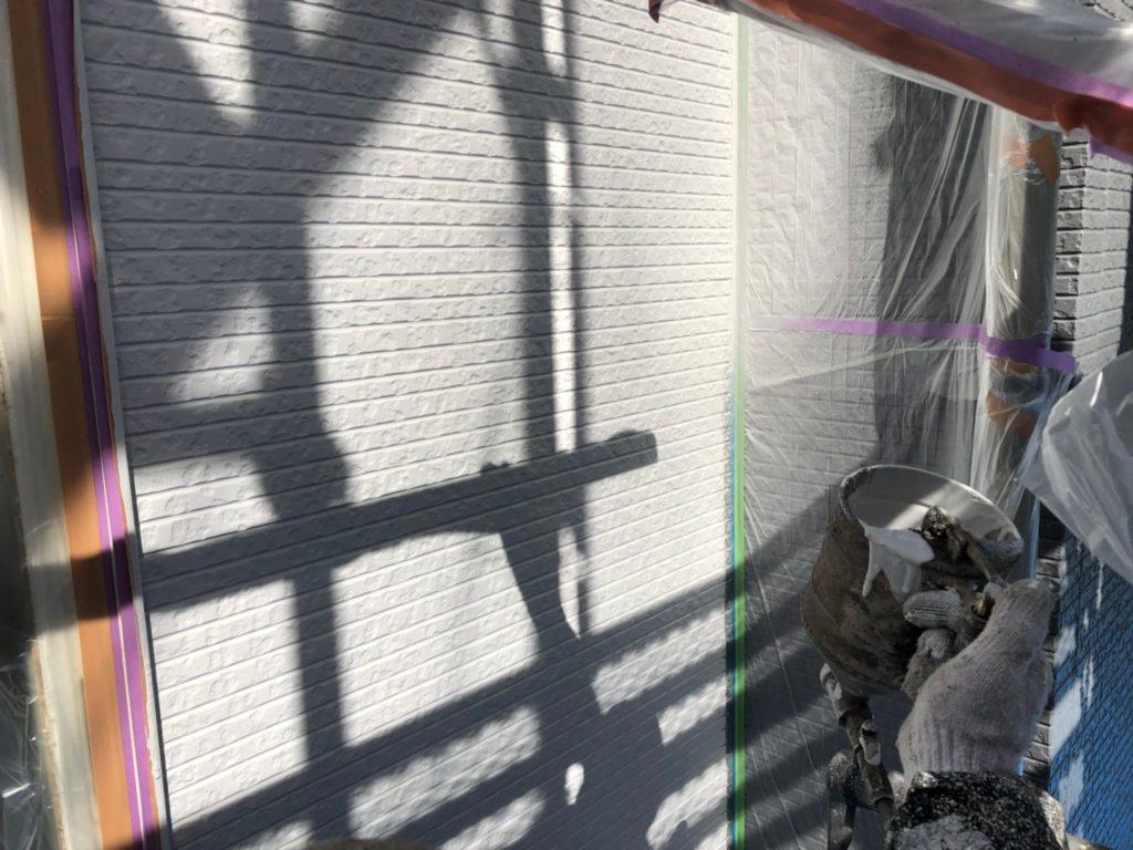 外壁部塗装色取り合い部分吹き付け塗装